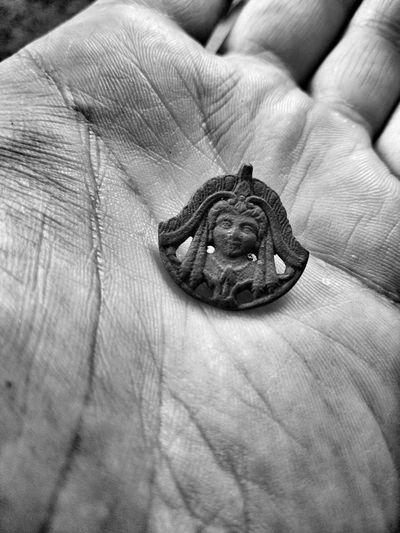 Old pin on the hands Women Womenhead Brooch Pin Brooch Oldbrooch Oldstyle Womenbrooch Pin OldPin Womenheadpin Pin Vintage Art Artefact Old Arte Pine B&w Human Hand Human Finger Close-up