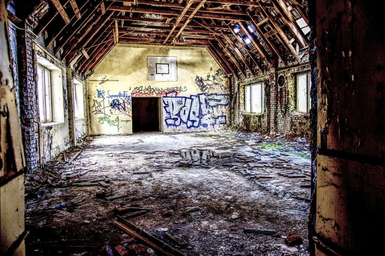 Abandoned Architecture Bad Condition Building Built Structure Ceiling Damaged Day Decline Deterioration Dirty Graffiti Indoors  Messy No People Obsolete Old Ruined Run-down Wall - Building Feature Weathered Window