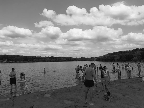 Beach People Nature Blackandwhite Photography Blackandwhite Mobilegraphy PhonePhotography Me, My Camera And I Outdoors Photography Bnwphotography Bnw_captures Mobilephotography Bnw Sand Lake Lake View Relaxation Manmadebeach Manmade Crowd WoodLand Nature Photography Cloud - Sky Lakeview