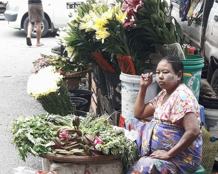 Small Business Only Women Flower Day Vegetable Real People Working Streetlifestyle