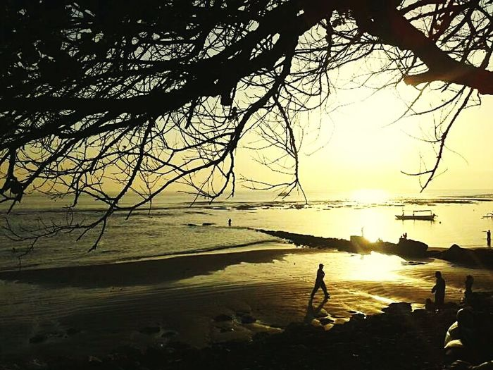 Sunrise at sanur beach Life Is A Beach Beachphotography Sunrise Sunset Silhouettes Goodmorning Mobile Photography Taking Photos EyeEm Best Edits Beach On The Beach