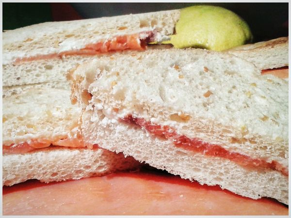Tramezzini Salmoneaffumicato Caprino Saumon Fumé Fromage Fraiche Sandwiches Food And Drink Healthy Eating Food Indoors  No People Preparation  Ready-to-eat S3 Mini Android Photography Smartphone Photography