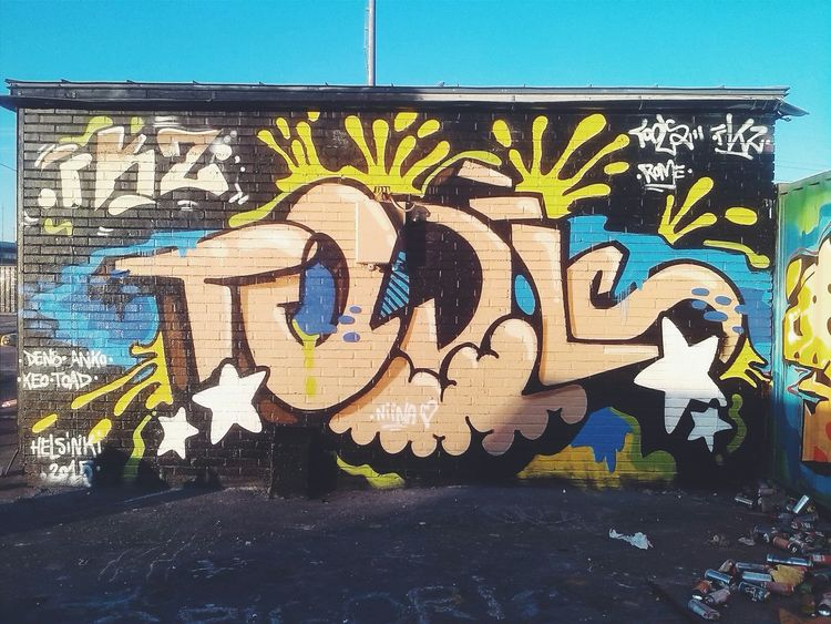 A sunny day in Helsinki. Graffiti Helsinki Kalasatama Aerosolart Toolsfkz Colors