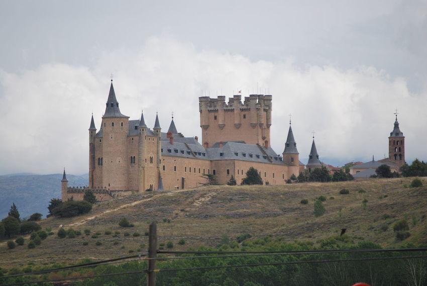 Alcazar Campo Cathedral EyeEmNewHere Tree Trees Alcázar Segovia Architecture Day History Landscape Monument No People Outdoors Segovia Segovia,spain Sky