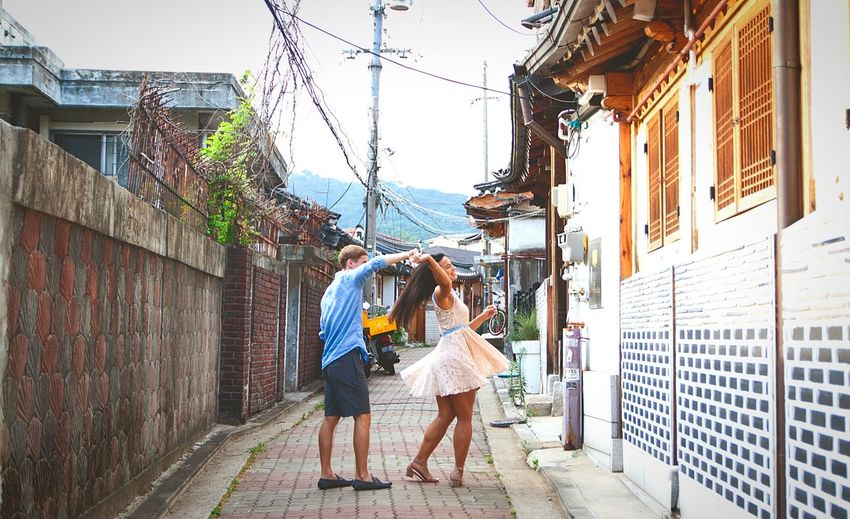 Urban Twirl Twirling Dance With Imagination Dance Without Music Korea Seoul Seoul, Korea Korean Culture #urbanana: The Urban Playground City Togetherness Bonding City Life Couple