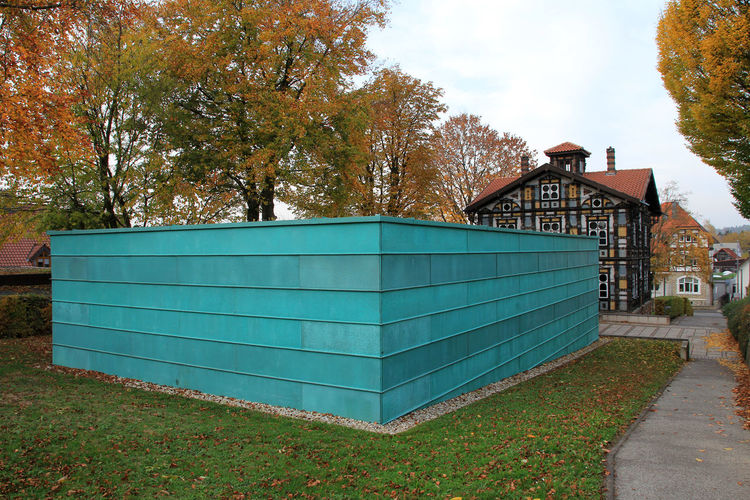 Junkerhaus Lemgo Art Museum Kreis Lippe Museum Tree Plant Architecture Built Structure Nature Day No People Land Autumn Building Exterior Outdoors Change Sky Field Building Grass Cloud - Sky Tranquility Growth Green Color Turquoise Colored