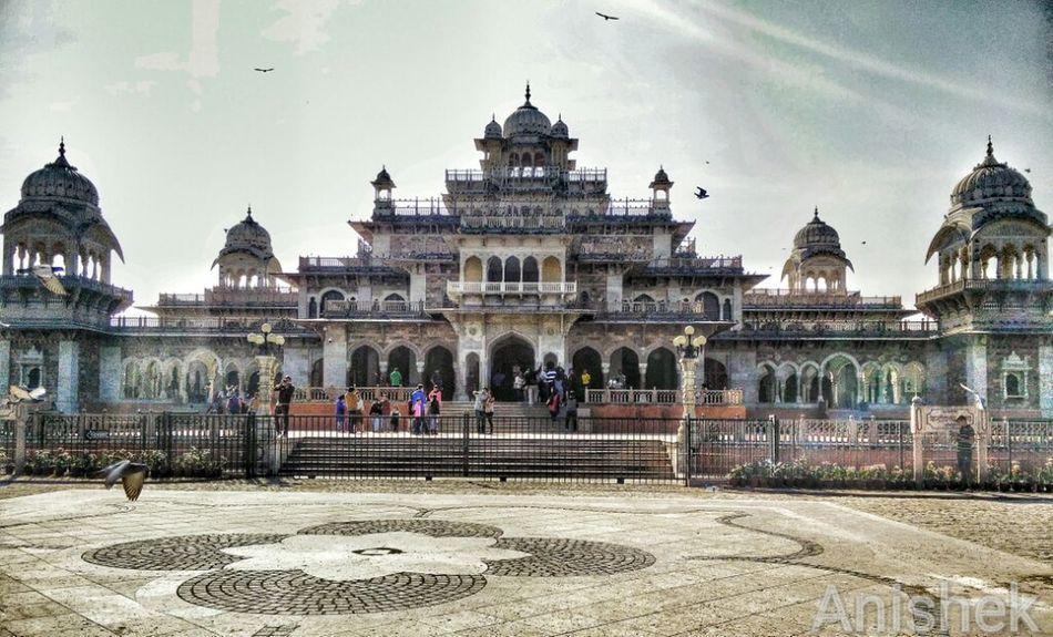 Albert Hall Albert Hall Museum Jaipur Rajasthan Jaipur Diaries Sunday Morning With Friends Oneplusone Click Click 📷📷📷 Sun Sunshine ☀ Birds Pigeons