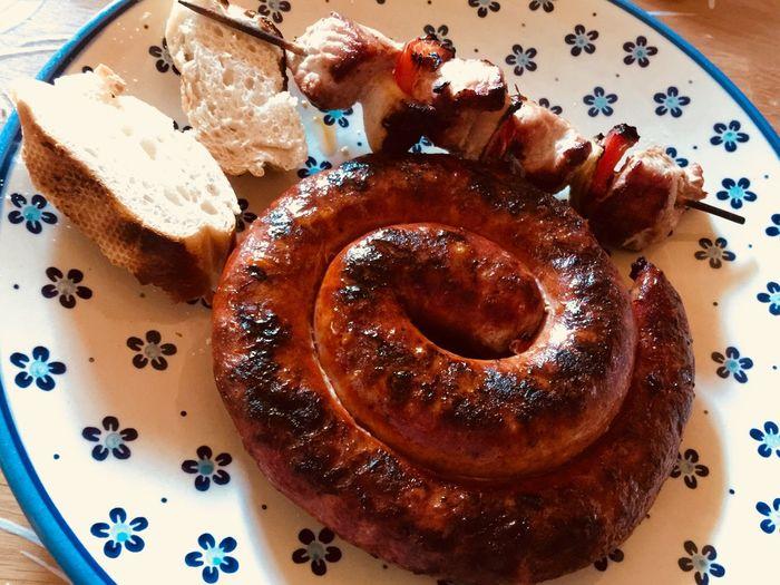 Bratwurst und mehr Bratwurst Fleisch Lecker Essen  Spiess Bread Brot Close-up Food Gegrillt Indoors  Lecker No People Plate Ready-to-eat Table Unhealthy Eating