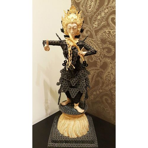 Your collections show who you are Art Sculpture PersonalCollections PrivateCollections Collections Art Sculpture Statue