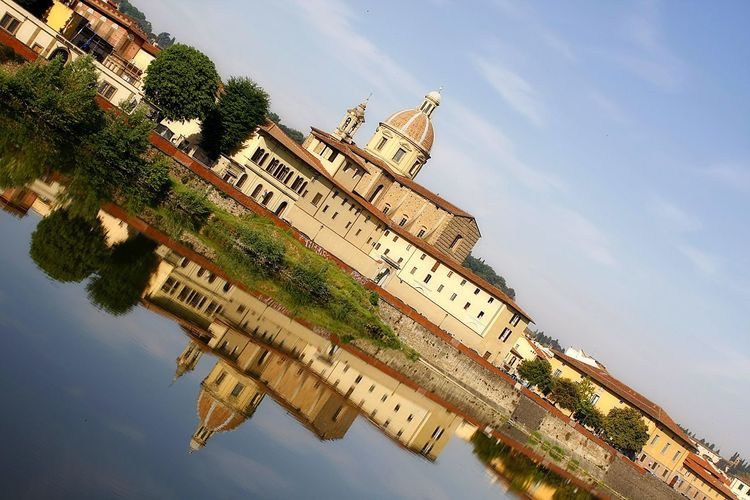 Church Firenze Florence Italy Reflection Riverside Architecture Building Exterior Built Structure Chiesa Day Fiume Arno Florence No People Outdoors Riflessi Riflessi Sull'acqua River Sky Water Waterfront