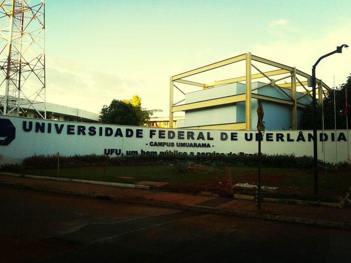 Enlouquecida com UM QUARTEIRÃO de HOSPITAL VETERINÁRIO no Campus Umuarama da UFU. E a ala de silvestres???? GIGANTE!!♡♡