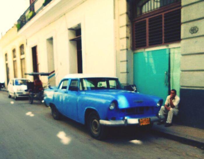 Habana Vieja La Habana Street Photography Old Car Cuba Collection Cuban People Get Your Guide Cityscapes Destination Habana Cuba Travel Photography Travel