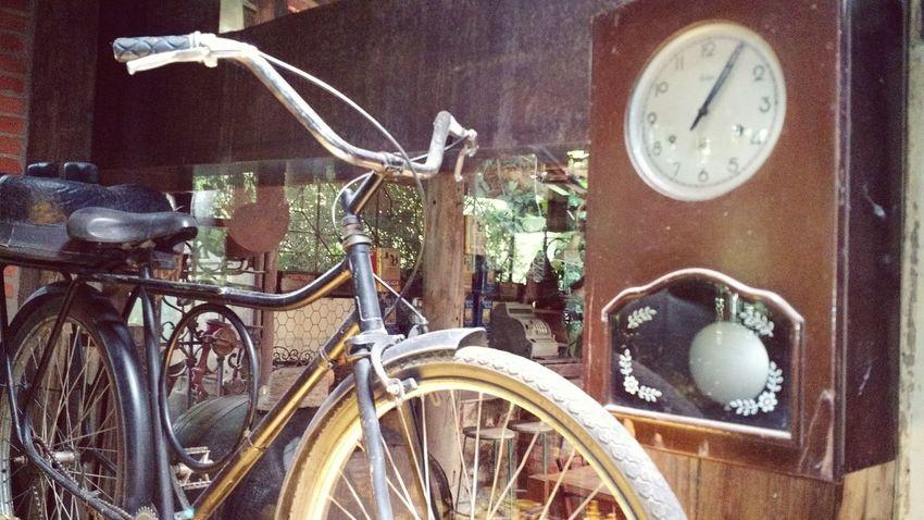 Bike Oldtimer Enjoying Life Bike
