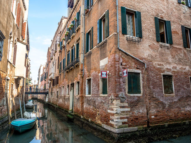 Architecture Building Exterior Built Structure Canal Day Gondola - Traditional Boat Mode Of Transport Moored Nature Nautical Vessel No People Outdoors Sky Tranquility Transportation Travel Destinations Water Waterfront Window