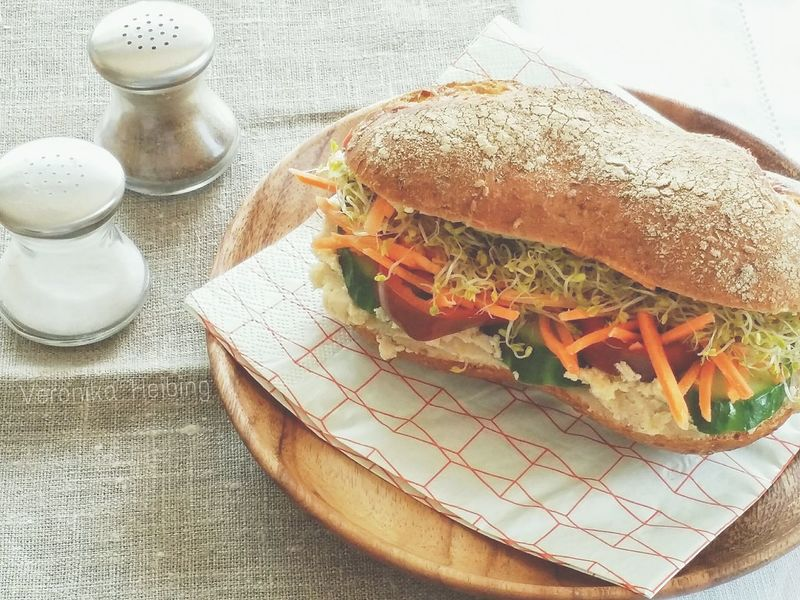 """The Big H"": Vegetarian Hummus Sandwich Vegetarisch Vegetarian Sandwiches Veggiesandhummus Vegetarian Food Vegetarische Küche Vegetarian Dish Healthy Eating Healthy Food"