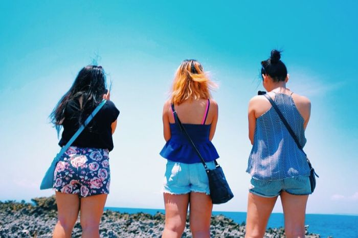 Bali Holiday Friends Photography The Story Behind The Picture Perspectives Beautiful People Photography Beach Chilling