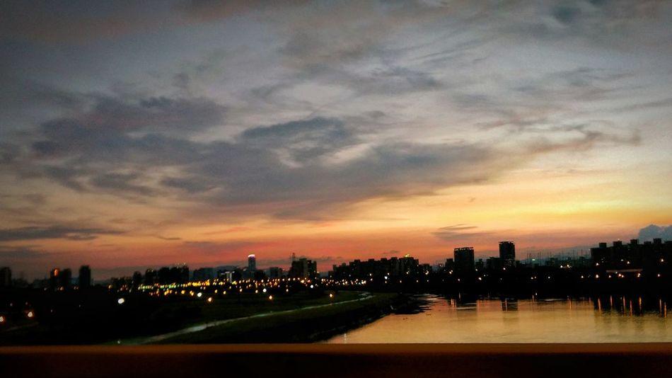 Taipei 台北好美 黃昏 Sunset