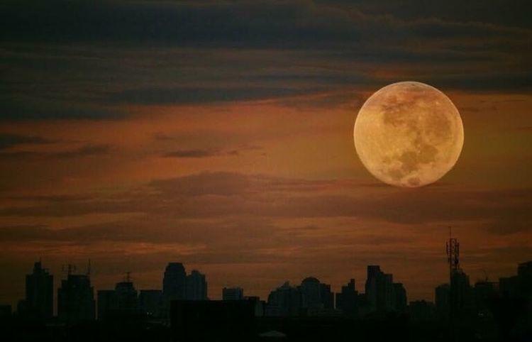 Blutmond Bloodmoon Moon Full Moon Mondfinsternis Eclipse2015 Eclipse 2015  Bangkok Thailand