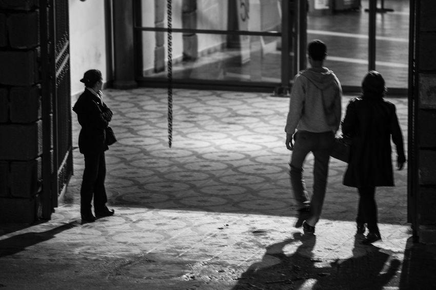 Blackandwhite Black And White Blackandwhite Photography Black & White Black&white Black And White Photography Blackandwhitephotography Black And White Collection  Izmir Izmirlife Izmirdeyasam Konak Türkiye Turkey Turkish Canon6d Canon6D Photography Canon Canontürkiye