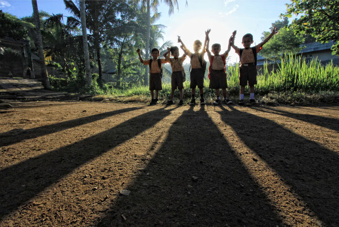 #firsteyeemphoto #kids #school  #schoolflow #Shadow #Sunrise Full Length Outdoors Togetherness Tree