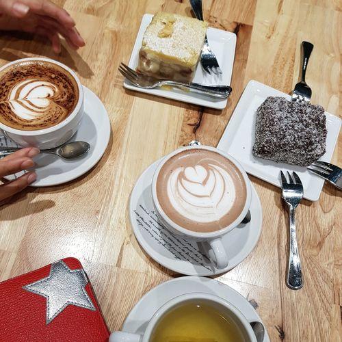 Dimbulah Singapore Tea With Ariane Coffee And Cakes