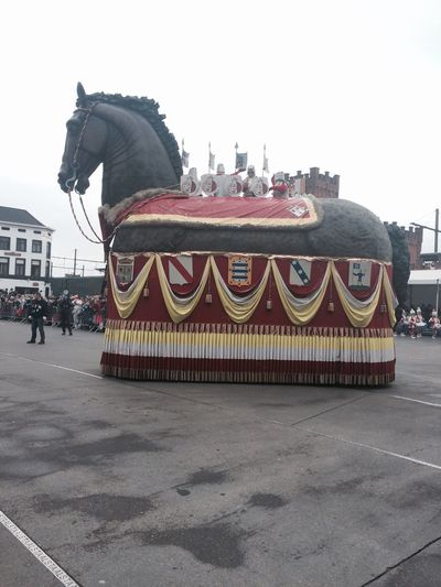 Architecture Built Structure Dragon Outdoors Day Building Exterior People City One Person Sky Aalstcarnaval Oilsjt Aalst Paard Horse