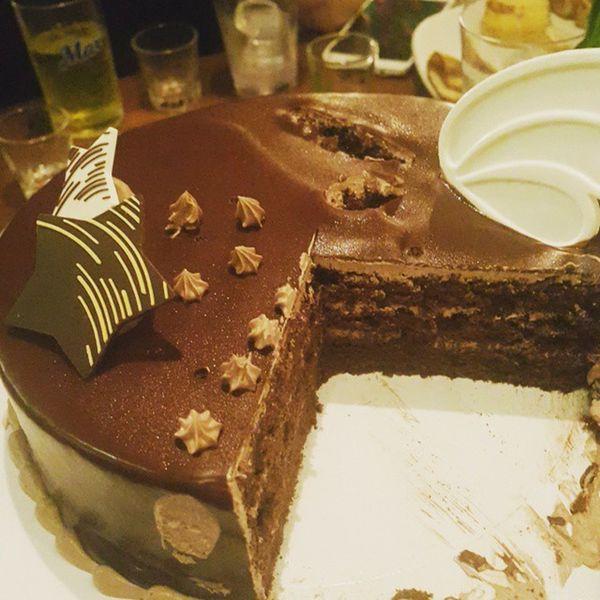 먹스타그램 생일케이크 먹방 케이크