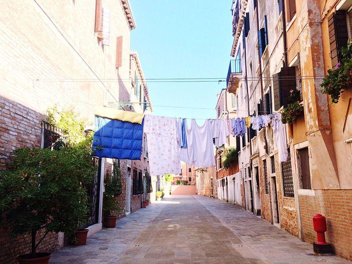Italy Washing Streetview