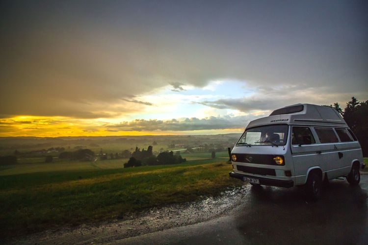Bus-stop Car Cloud - Sky Sunset Sky Nature Transportation Landscape Beauty Outdoors Beauty In Nature Sommergefühle Naturelovers Goodlife❤ Vanlife Happiness Hippie ✌ Hippielife T3 Freedom Let's Go. Together. Nature No People Adventure Rural Scene Agriculture