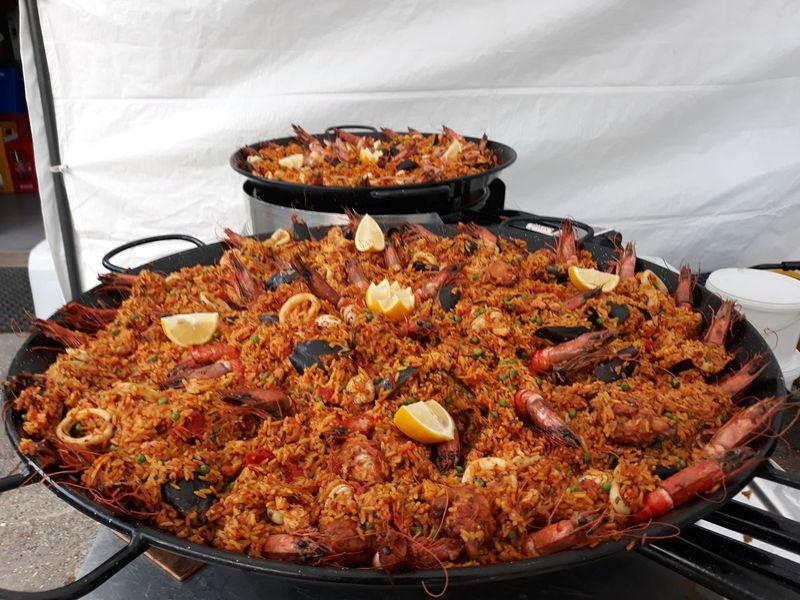 EyeEm Selects Food Food And Drink No People Meat Ready-to-eat Indoors  Freshness Day Close-up Catering Catering Food Catering Service Paellas Paellasgigantes Paella! Paella Valenciana Paella 🥘 Foodporn Food And Drink Foodpics Foodlover Delicious Awesome Huge