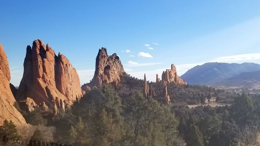 Beauty In Nature EyeEm Nature Lover EyeEm Nature Lover Colorado Sky_collection Mountains And Sky Garden Of The Gods Wilderness Area Tree Mountain Sky Landscape Rocky Mountains Geology