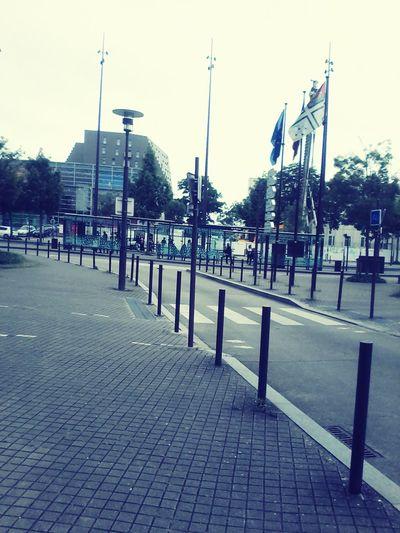 Nantes Hi! Hello World DZ Pooto