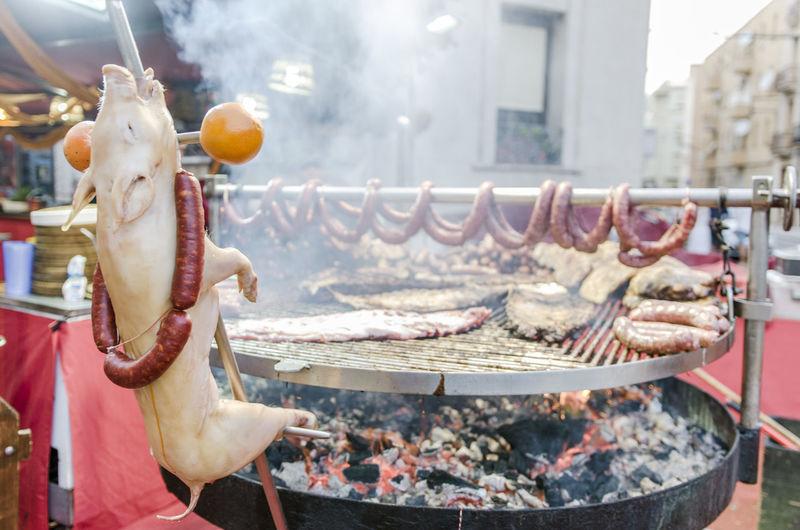 Baked piglet. Chorizo Holiday Renaissance Renaissance Festival Renaixement SPAIN Spanish Food Tarragona Tortosa Cooked Exquisite Food Food And Drink Freshness Meat Orange - Fruit Party Pig Renaixement