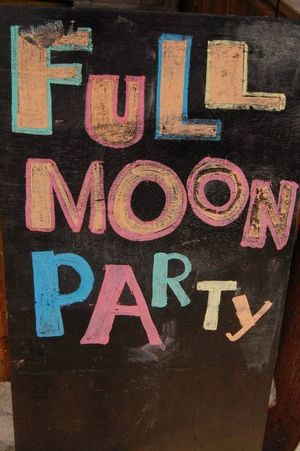 Full Moon Party Dance Time ♥