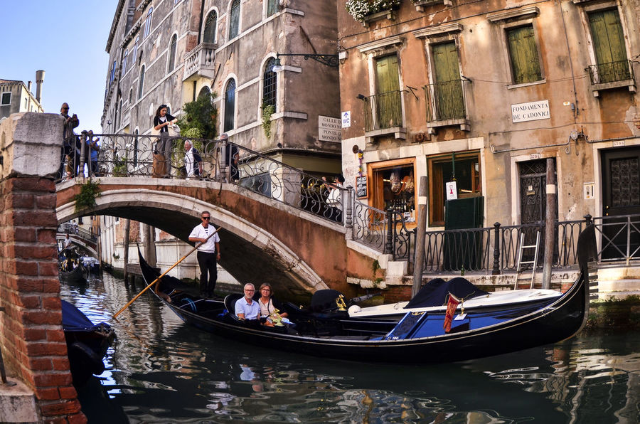 Architecture Building Exterior Built Structure Canal City Day Gondola Gondola - Traditional Boat Gondolier Large Group Of People Lifestyles Men Nautical Vessel Outdoors People Real People Transportation Travel Destinations Water