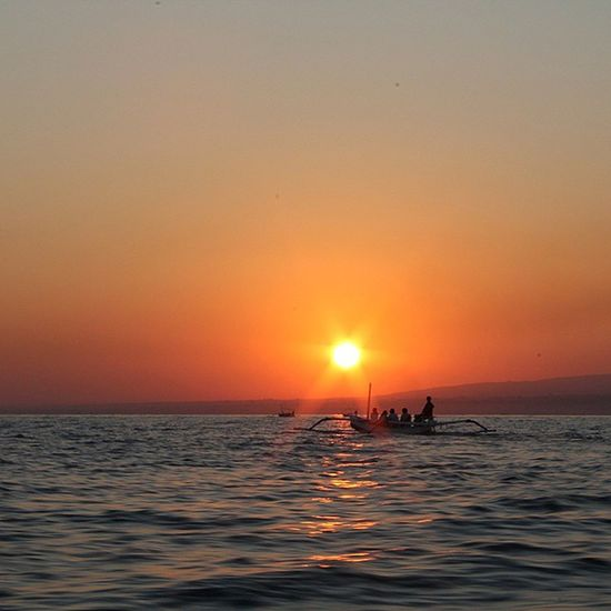 sunset at lovina beach Sunshine Sun Sunset Lovinabeach Lovina Bali Indonésie Travelpic Travel Tourists Dolphins Fisherboat Fish Fisherman