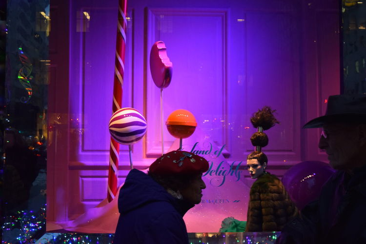 Cristmas Decoration Store Windows Windows Mid Manhattan Street View Street Photography NYC My Year My View Finding New Frontiers Millennial Pink TCPM Holiday Moments
