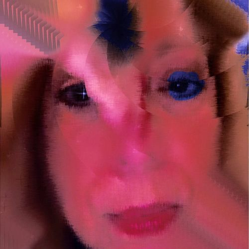 Pinkish selfie, looks feminine right?? Portrait Of A Woman Free Open Edit The New Self-Portrait NEM Avantgarde Behind The Masks Behind The Veils Whisper Something To Me