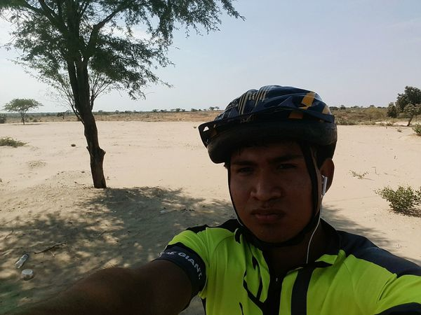 Ruta piura - km50. Bike Sky Only Men Sport Nature Day City No People Ciclismo Bicis Piura Bicicleteando 📷🚲 Looking At Camera Young Adult