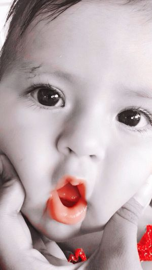 👶🏻 Cousin Babygirl Cute Inocence  Color Splash Colour Red Eye Colombia Mirada  Taking Photos Baby Mirada Inocente