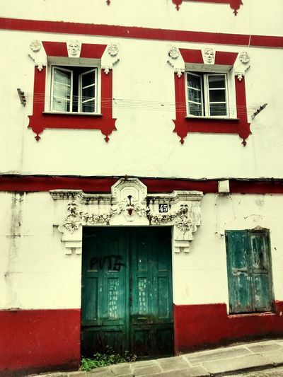 Facades Architecture Facade Old House Urban Geometry Arquitecture No People Open Edit
