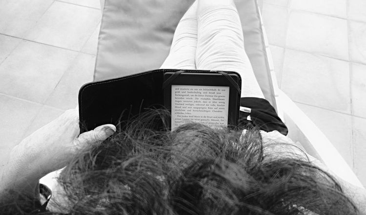 Close-up Ebook Ebookreader Ebooks Having A Break Leisure Activity Lifestyles Part Of Personal Perspective Reading