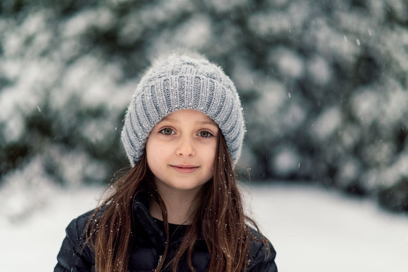 Winter Portrait Cold Temperature Hat Clothing Warm Clothing Looking At Camera Snow One Person Headshot Smiling Focus On Foreground Young Adult Young Women Women Long Hair Knit Hat Front View Hair Beautiful Woman Hairstyle Outdoors Snowing Teenager Scarf My Best Photo