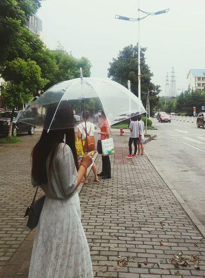下雨了,早知道那么麻烦