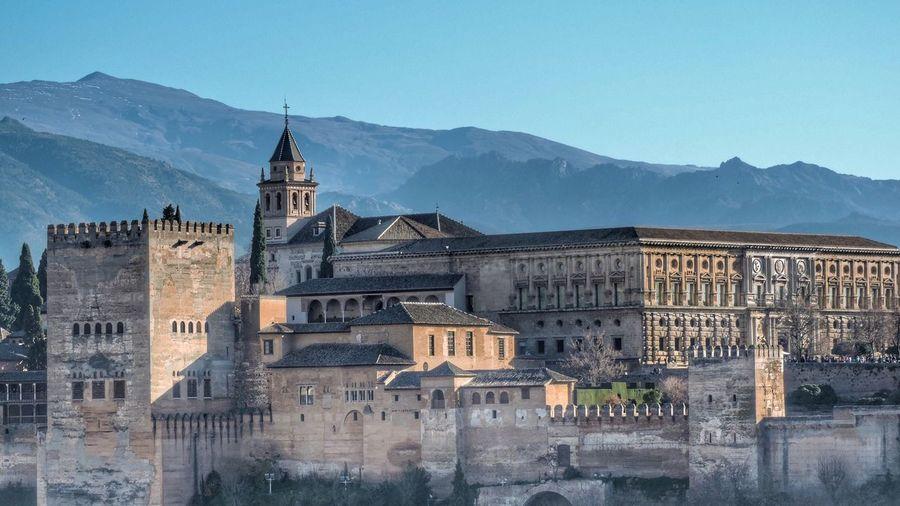 Alhambra, Granada. History Arquitecture Landscape