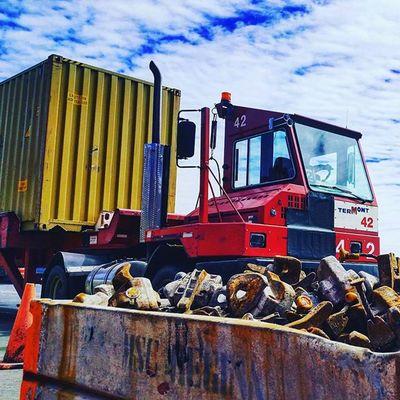 camion à Termont PortMTL Container Msc