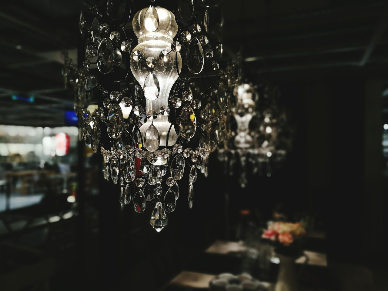 hanging, indoors, no people, focus on foreground, illuminated, store, close-up, luxury, crystal, day