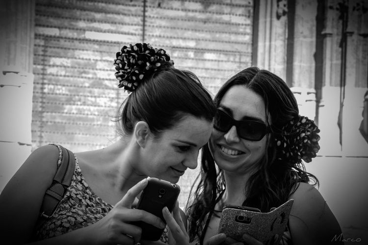 Young Women Friendsforever Friends ❤ Amigas❤ Lovefriends Blackandwhite Black And White Photography Blackandwhite Photography Blanco Y Negro Blac&white  Hdrphotography HDR Picsartrefugees @CharoIvo