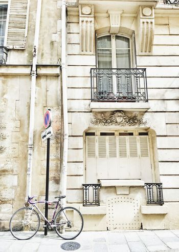Streetphotography Bicycle Walking Around The City  Discover Your City Ile Saint Louis Old Town Building Exterior Architecture_collection