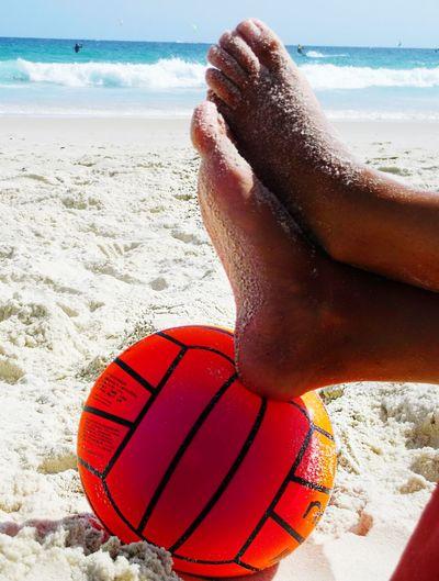 Beach Sea Sand Vacations Relaxation Human Body Part Horizon Over Water Freedom Lifestyle Summer Rio De Janeiro Enjoyment Lifestyles Ball Lieblingsteil
